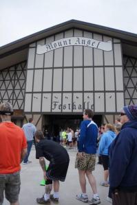 wurst-5k-run-starting-line-festhalle-2013