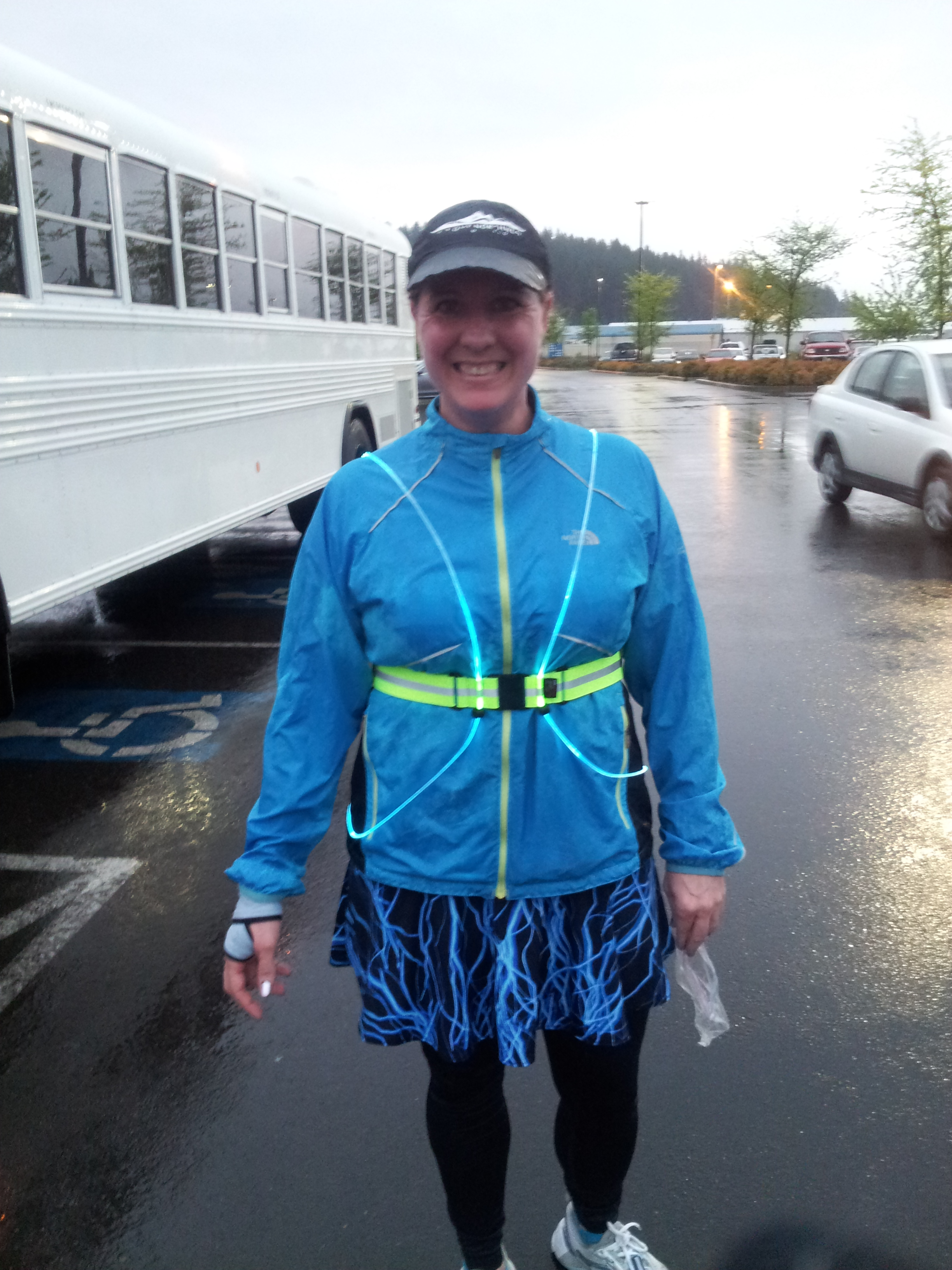 Product Review Noxgear Tracer360 Run Oregon Fueltbelt Neon Vest Tracer 360 In Action On A Wet Morning After The